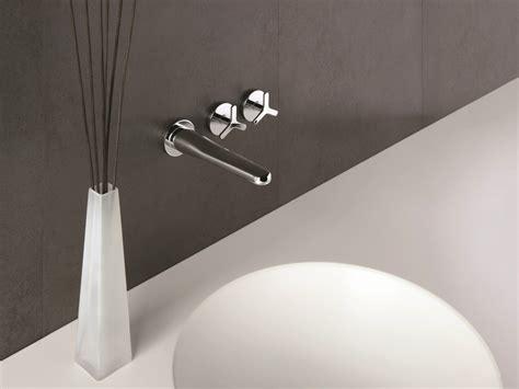 rubinetto cristina beak rubinetto per lavabo a muro by cristina rubinetterie