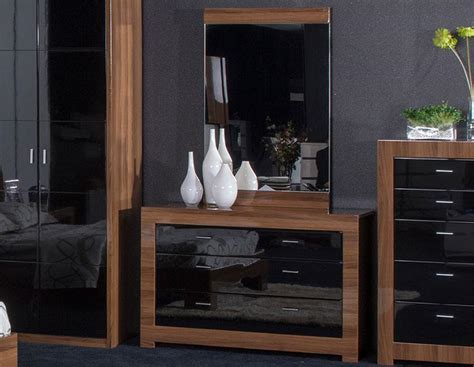 modern high gloss finish queen bedroom set made in italy high gloss bedroom furniture home design ideas