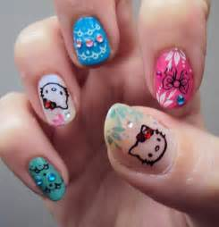 Also available for women with gel acrylic nails are dried flowers