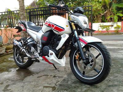 modifikasi warna motor sport modifikasi motor byson warna putih modifikasi motor sport