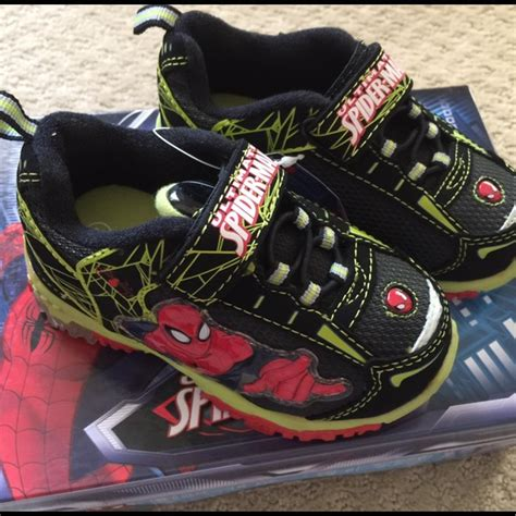 Spiderman Light Up Shoes 51 Off Shoes Marvel Spiderman Light Up Athletic Tennis