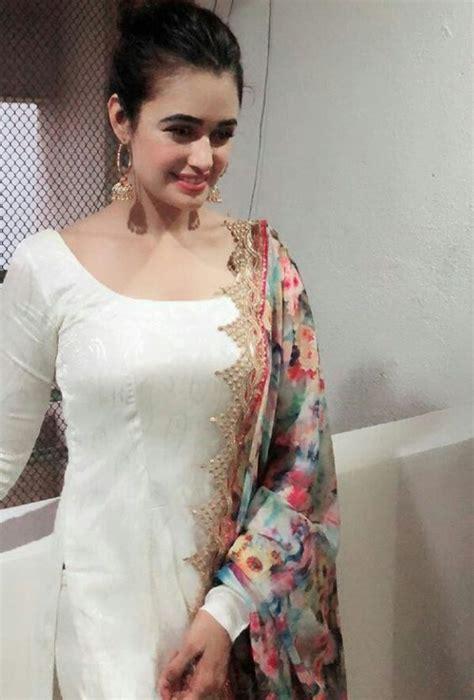 indian actress  shalwar kameez   indian designer