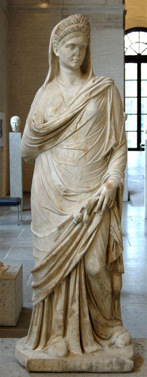 ancient roman women sculptures file roman woman glyptothek munich 377 jpg