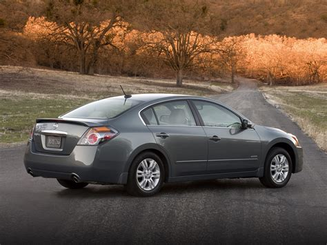 nissan hybrid sedan 2011 nissan altima hybrid price photos reviews features