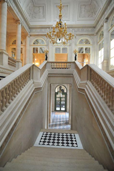 si鑒e du conseil constitutionnel conseil constitutionnel le grand escalier d honneur