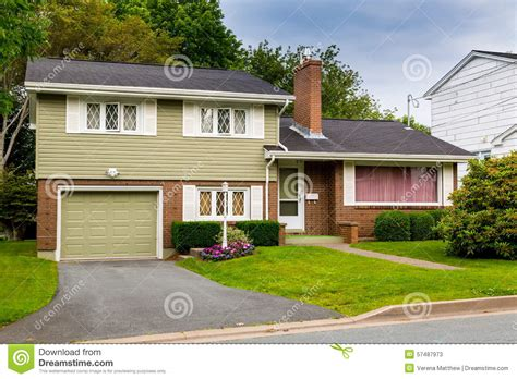 how to level a house vintage split level home stock image image of 1980 lawn