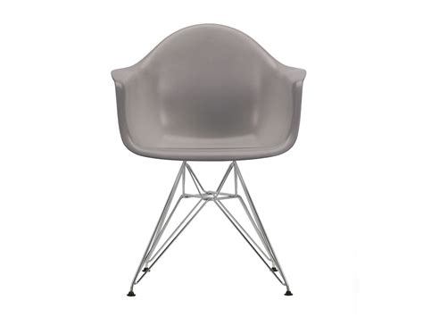 vitra armchair buy the vitra dar eames plastic armchair at nest co uk