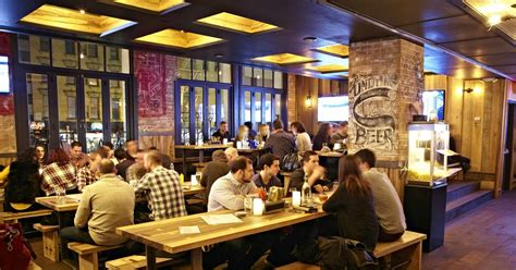 top new york bars best new york city bars for single people thrillist