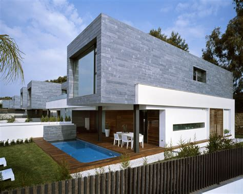 6 semi detached homes united by matching contemporary