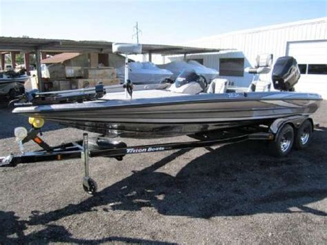 Foot Step Triton 2012 Model Ori 2012 triton boats 20se boats yachts for sale