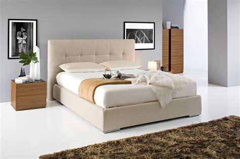 letti imbottiti moderni letti imbottiti con contenitore letti