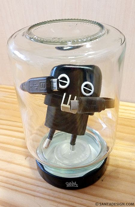 Robot Charger charger robot santadesign