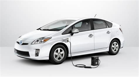 Toyota Prius Plugin Toyota Raises Hybrid Technology To Superb Level With 2015