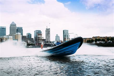 speed boat ride london river thames high speed boat ride for one adult from buyagift