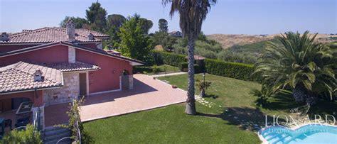 hotel con piscina in roma villa in vendita nelle vicinanze di roma image 9