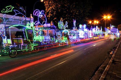 Lu Hias Di Yogyakarta alun alun kidul tempat asyik menikmati fragmen malam di jogja