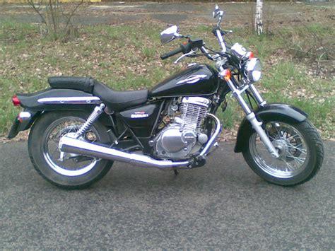 Suzuki Cz 250 2006 Suzuki Gz 250 Gasoline