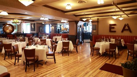The Dining Room Easton by Smith Wollensky Wraps Easton Remodel With New Bar And