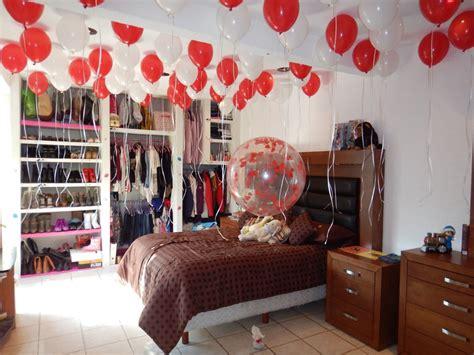 decorar habitacion sorpresa cuarto sorpresa con globos con helio al techo y globo