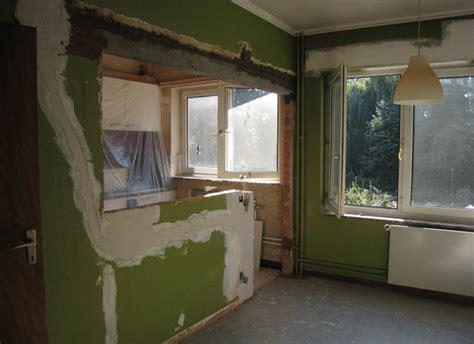 Bien Chambre Verte Et Blanche #3: cuisine-mur-cuisine-mur-noir-rouge-gris-meuble-blanc-vert-07311849-balance-murale-carrelage-orange-couleur-jaune-et-noire-avec-blanche-bois-de-murcia-faience-grise.jpg