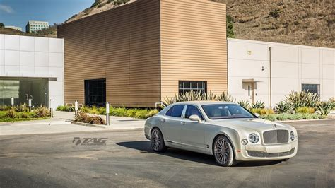 custom bentley mulsanne wheels bentley mulsanne stays graceful on 22 quot custom wheels