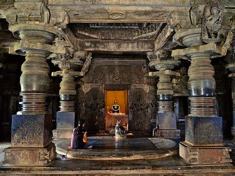 Interior Temple by File A Sanctum Inside The Hoysaleshwara Temple In Halebidu