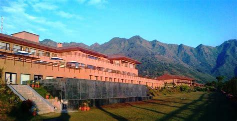 best hotels in srinagar 5 hotels in kashmir 2018 world s best hotels