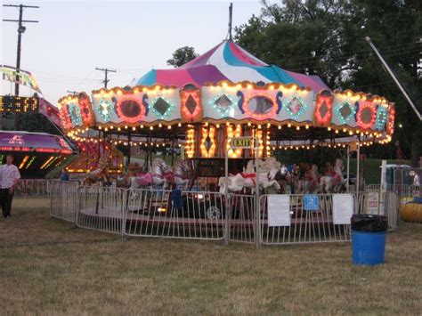 theme park jobs usa jobs in mobile amusement parks carnival jobs for the