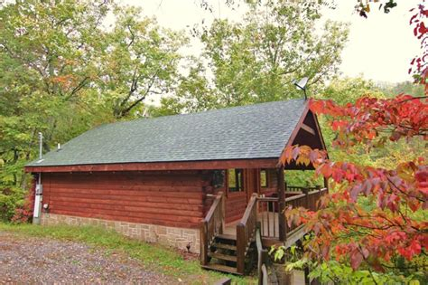 Mountain Laurel Cabin Rental by Www Atopolesmokycabinrentals