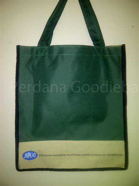 Tas Serut Tonga Polos Hitam tas spunbond goodiebag polos ready stock perdana goodie bag