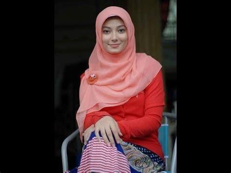 Jilbab Gaul Artis Muslimah Asmirandah