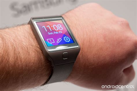 samsung gear 2 on with the samsung gear 2 gear 2 neo and gear fit