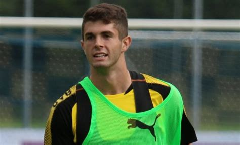christian pulisic agent us soccer player christian pulisic 19 plays dirty for