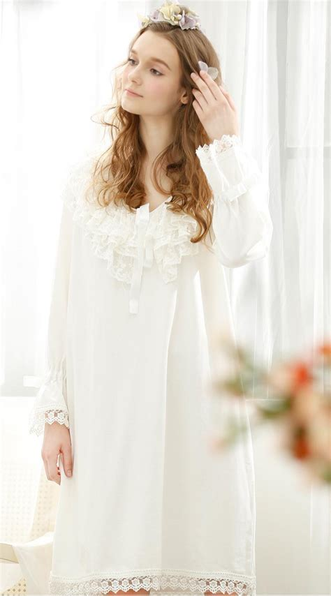 Lace Sleeve Nightdress noble lace retro royal nightgowns white sleeve