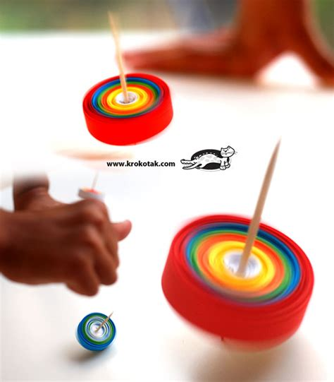 How To Make Spinning Tops Out Of Paper - diy paper spinner krokotak