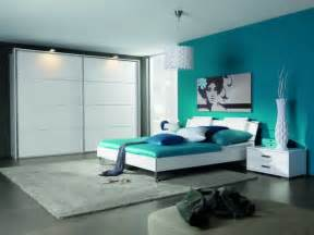 schlafzimmer wandfarbe ideen f 252 r grelle schlafzimmer clean bedroom before and after bedroom ideas pictures