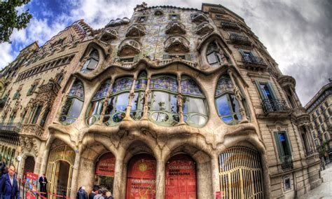 barcelona architecture gallery of 10 must see gaud 237 buildings in barcelona 3