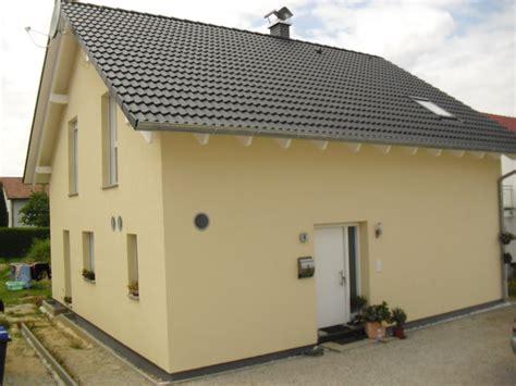 Sockel Haus by Rasenkanten Betonieren Und Sockel Verputzen Streichen Balance100weber Andr 233 Und Nadine