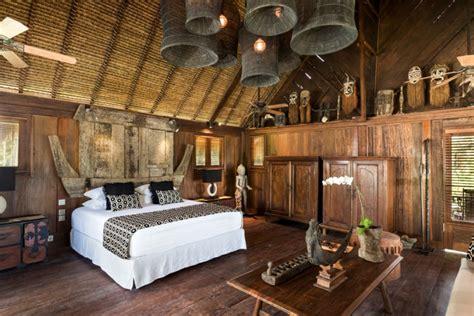 amazing spacious beachfront freehold villa  sale
