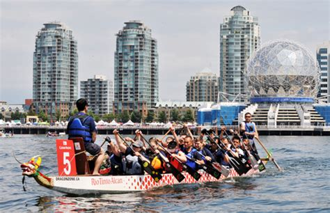 paddles up dragon boat racing in canada paddles up for dragon boating cantrav dmc services