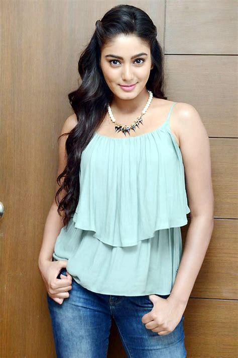 hindi film actress date of birth actress sana makbul profile movies and photos movieraja