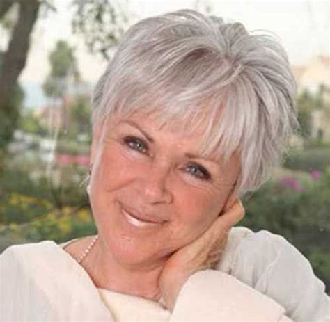 hair styles for 25 uwar old 25 latest short hair cuts for older women haircuts