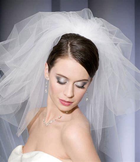 pouf hairstyle accessories wedding veil styles weddingelation