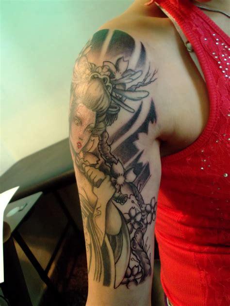tattoo de geisha en el brazo lorien tattoo tattoo geisha en progreso