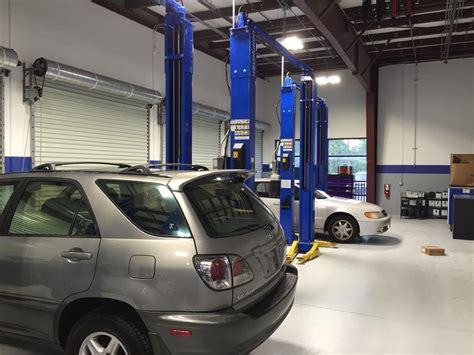 Garage Vehicle Storage Lift Stay In Motion Protect Workers Equipment Fast Equipment