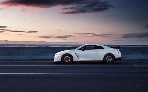 Car Side View Wallpaper nissan gt r r35 white car side view wallpaper cars