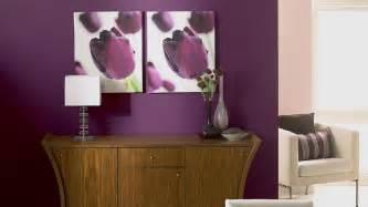 Incroyable Chambre Parme Et Beige #2: l-elegance-de-la-couleur-aubergine-dans-le-salon-avec-une-peinture-lin.jpg