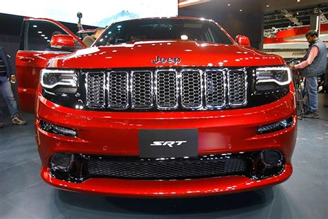Jeep Model Cars In India Jeep Grand Srt The Sophisticated Suv Rediff