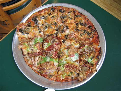 cuisine mo st louis style pizza