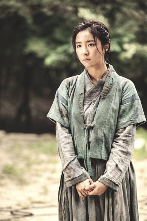 yoo ah in và shin se kyung nữ ho 224 ng mặt đơ shin se kyung v 224 h 224 nh tr 236 nh chinh phục